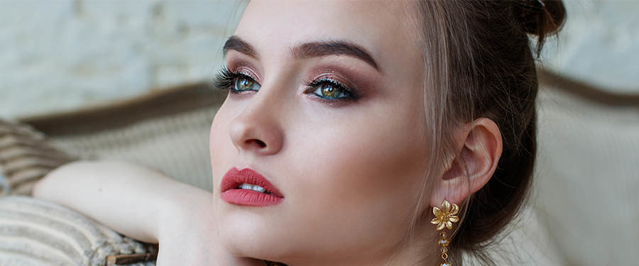 Exklusiver Kurs: Private Make-up Lessons mit Snescha Bloom